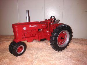 McCormick Farmall 1/16 tractor for Sale in Memphis, TN