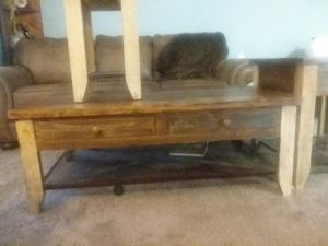 Coffee table and 2 end tables for Sale in Umatilla, OR