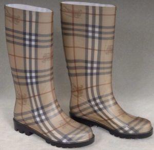 Burberry Rain Boots for Sale in Blackwood, NJ