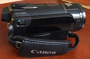 Canon, Vixia, camcorder HF S30 for Sale in Bloomington, IL