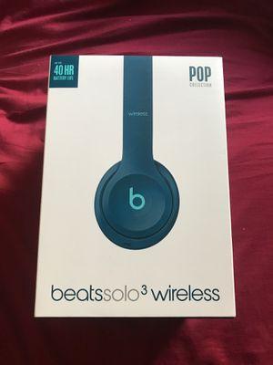 Beatssolo 3 wireless headphones for Sale in Haines City, FL