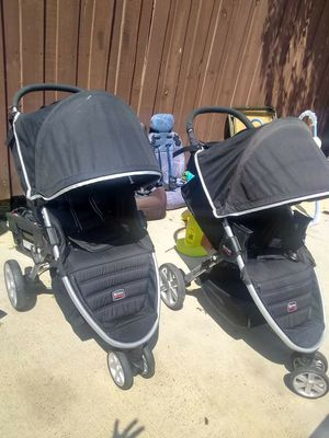 Britax b agile stroller each 60 for Sale in Dallas, TX