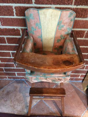 Antique doll high chair. Pick up (cash only) for Sale in Laurel, MD