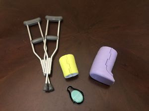 American Girl Doll Cast & Crutches for Sale in Colleyville, TX