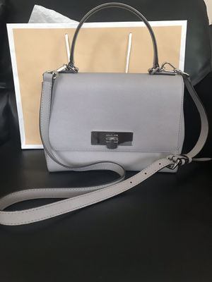 Micheal Kors Callie Small Messenger Leather Bag for Sale in Las Vegas, NV