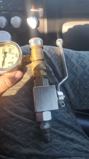 psi gauge/ pressure washer valve for Sale in Pasadena, TX