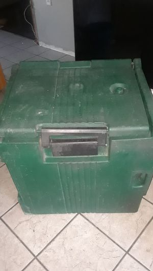 Large Cambro Ice Chest for Sale in Pueblo, CO