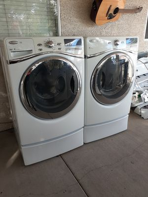Gorgeous Whirlpool washer and gas dryer set for Sale in Las Vegas, NV