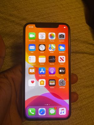 IPHONE X, SILVER, 64GB UNLOCKED for Sale in Los Angeles, CA
