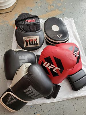 Boxing partner training gloves/ mitts. for Sale in Argyle, TX