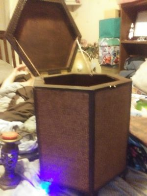 Bamboo trunk or used for end table to for Sale in Murfreesboro, TN