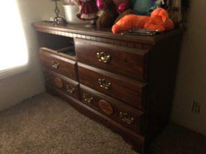 Dresser for Sale in Blythewood, SC