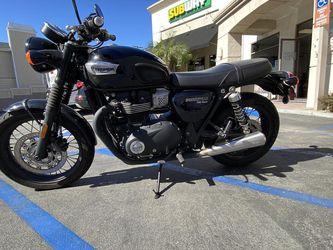 2018 Triumph Bonneville T100 Black for Sale in Newport Beach,  CA