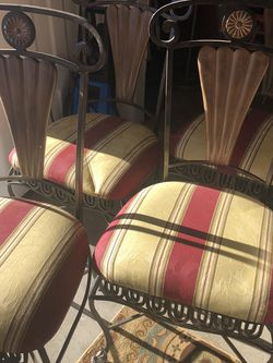 4 Set Chairs for Sale in Everett,  WA