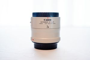 Canon 2X EF Extender II Teleconverter (L Series Tele/Zoom Lenses) for Sale in Los Angeles, CA