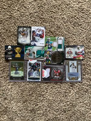 10 Football Relic and Signed cards and 1 Signed Baseball card for Sale in Snohomish, WA