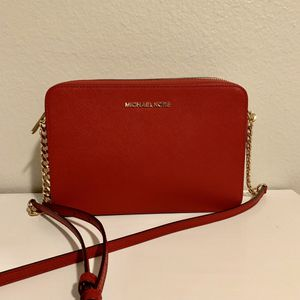 Michael Kors Jet Set Large Saffiano Leather Crossbody for Sale in Kenmore, WA