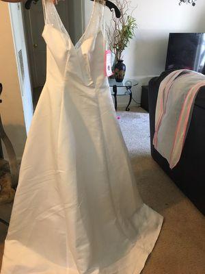 Wedding dress size 8 for Sale in Ashburn, VA