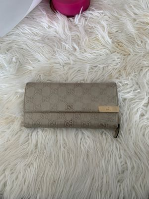 Authentic Gucci chain wallet(no chain) for Sale in Kirkland, WA
