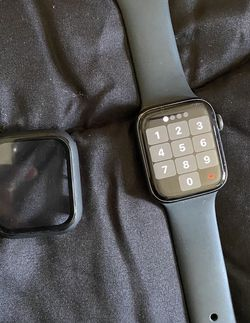 Apple Watch 5 for Sale in Simi Valley,  CA