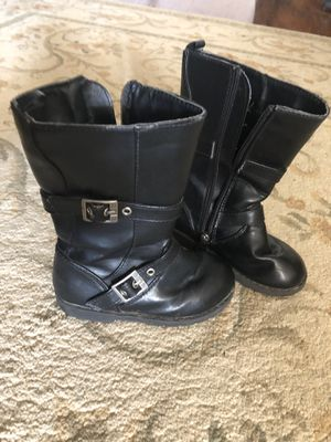 Size 9 little girls boots for Sale in El Paso, TX