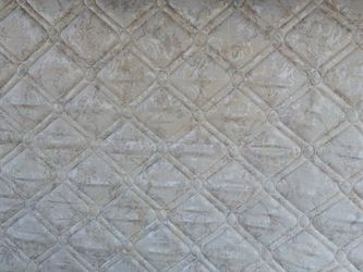QUEEN MATTRESS AND BOXSPRING for Sale in Benson,  NC