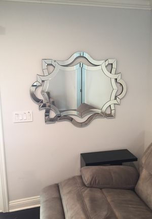 Wall mirror for Sale in Woodland Hills, CA