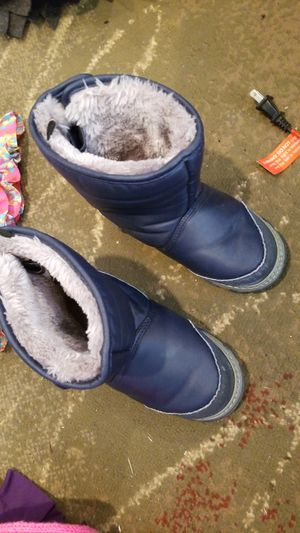 Kids 12M snow boots worn only once for Sale in Warren, MI