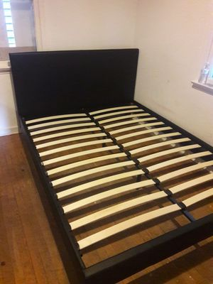 NEW QUEEN PLATFORM BED FRAME. MATTRESS SOLD SEPARATELY for Sale in Hialeah, FL