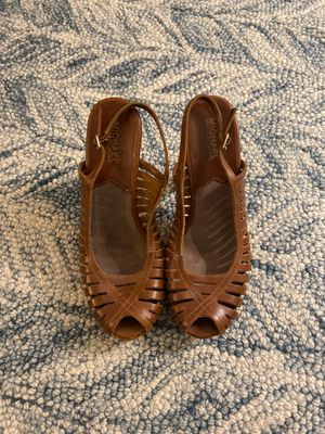 Michael Kors Heels (size 10) brown for Sale in New York, NY