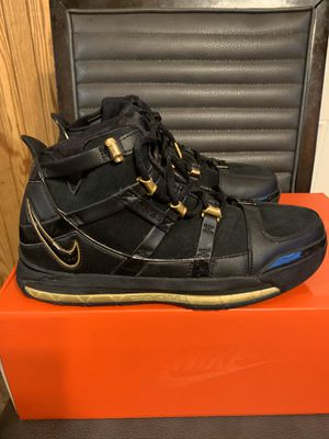 Nike zoom lebron 3 QS size 9.5 worm 3x with box for Sale in San Antonio, TX