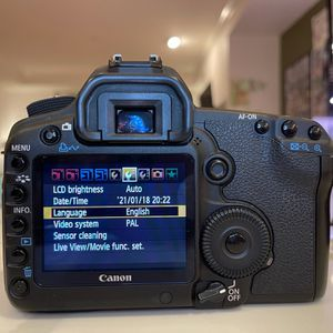 Canon EOS 5D Mark II Full Frame DSLR Camera with Accessories for Sale in Bellevue, WA