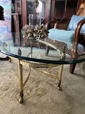 Oval glass and brass coffee table. Excellent condition for Sale in Oakland Park, FL