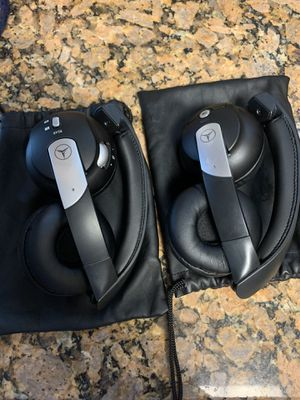Mercedes Benz Bluetooth/Wireless headphones for Sale in Oxon Hill, MD