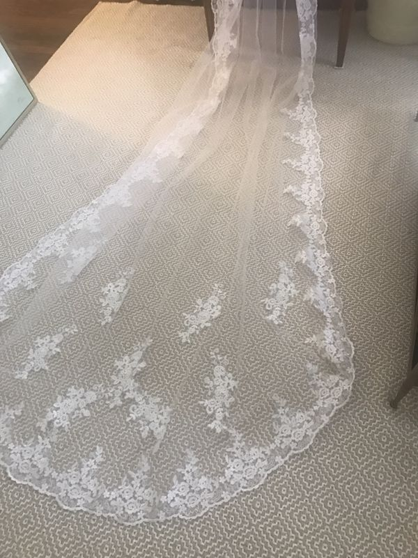 Custom Wedding Veil with French Lace (New)