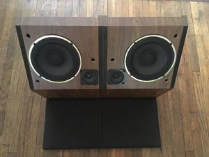 Pair of vintage Bose shelf speakers for Sale in Austin, TX