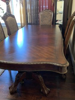 6 Chair Expandable Dining Table for Sale in Dearborn,  MI