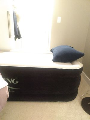 Air mattress (King Koil twin) for Sale in Washington, DC