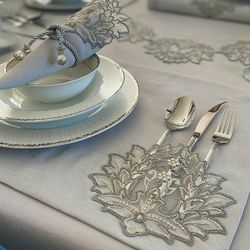 Rosa Luxurious Set For 6 ( 6 napkins + 6 Placemat + 6 Napkin Rings) for Sale in Hoboken,  NJ