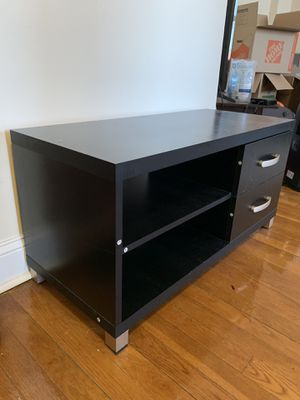 """Free , TV stand - 35"""" x 15"""" for Sale in Brooklyn, NY"""