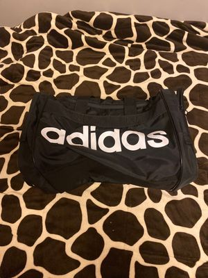 Adidas duffle bag for Sale in Bingham Canyon, UT