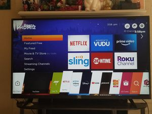 Lg 55 inch 4k tv with stand and roku for Sale in Irving, TX