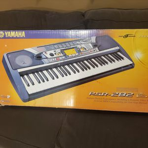 YAMAHA PIANO PSR-282 for Sale in Fontana, CA