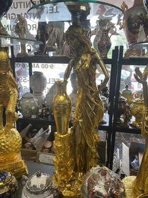 Pedestales Dorados for Sale in Hialeah, FL
