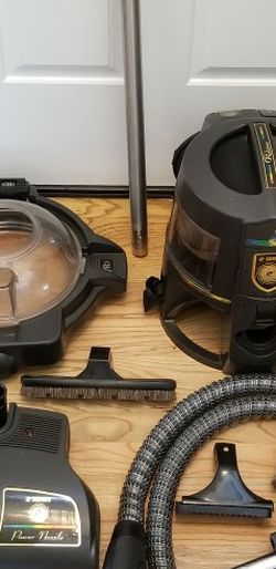 NEW cond RAINBOW GOLD 2SPEED VACUUM WITH COMPLETE ATTACHMENTS , AMAZING POWER SUCTION, WORKS EXCELLENT, IN THE BOX for Sale in Auburn,  WA