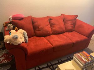 Red sofa- very clean very comfortable for Sale in Columbus, OH