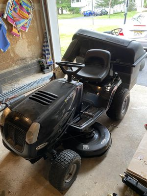 Murray Select 42in Lawn Tractor for Sale in Parsippany-Troy Hills, NJ