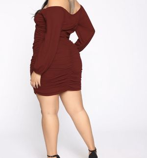Fashion Nova Red Runched Dress for Sale in Tacoma, WA