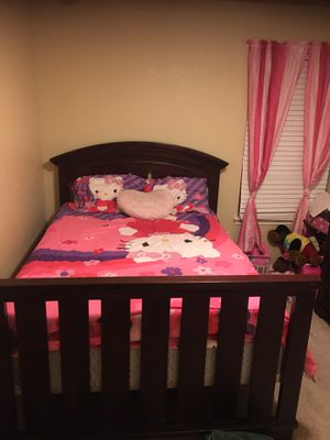 Hello Kitty COMFORTER SET and TOY STORAGE!! for Sale in Fort Worth, TX
