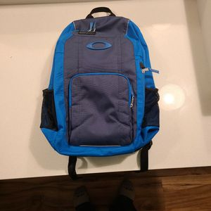 Oakley Back Pack Used for Sale in Indianapolis, IN